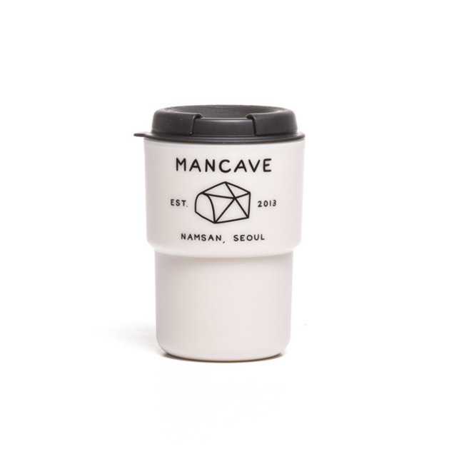 "MANCVAE X RIVERS WallMUG ""IV/BLK"""
